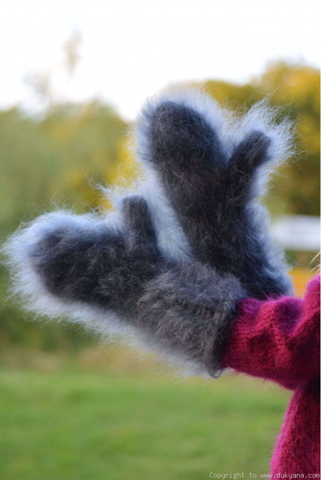 fuzzy and thick chunky mohair mittens in steel gray m6