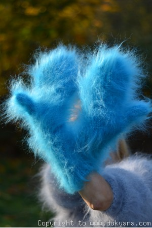 Fuzzy and thick chunky mohair mittens in turquoise blue