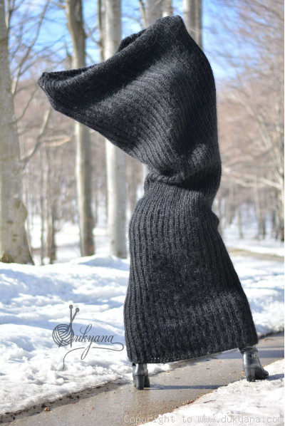 Chunky mohair tube scarf in black
