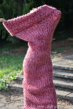 Chunky mohair tube scarf in red mix