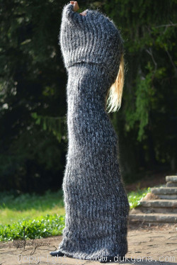 TWIN Chunky mohair tube scarf in gray mix