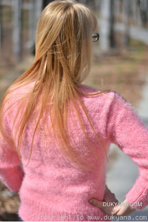 Angora-like soft summer Vneck sweater in pink