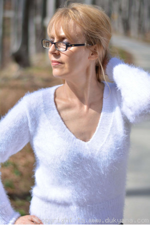Angora-like soft summer Vneck sweater in white