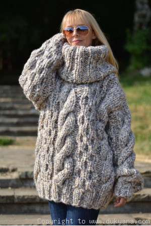 On request Oversized chunky wool unisex sweater On Request