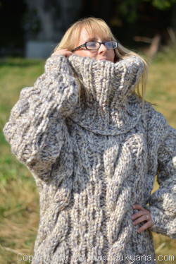 Oversized chunky wool unisex sweater On Request