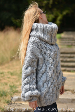One size chunky wool unisex sweater