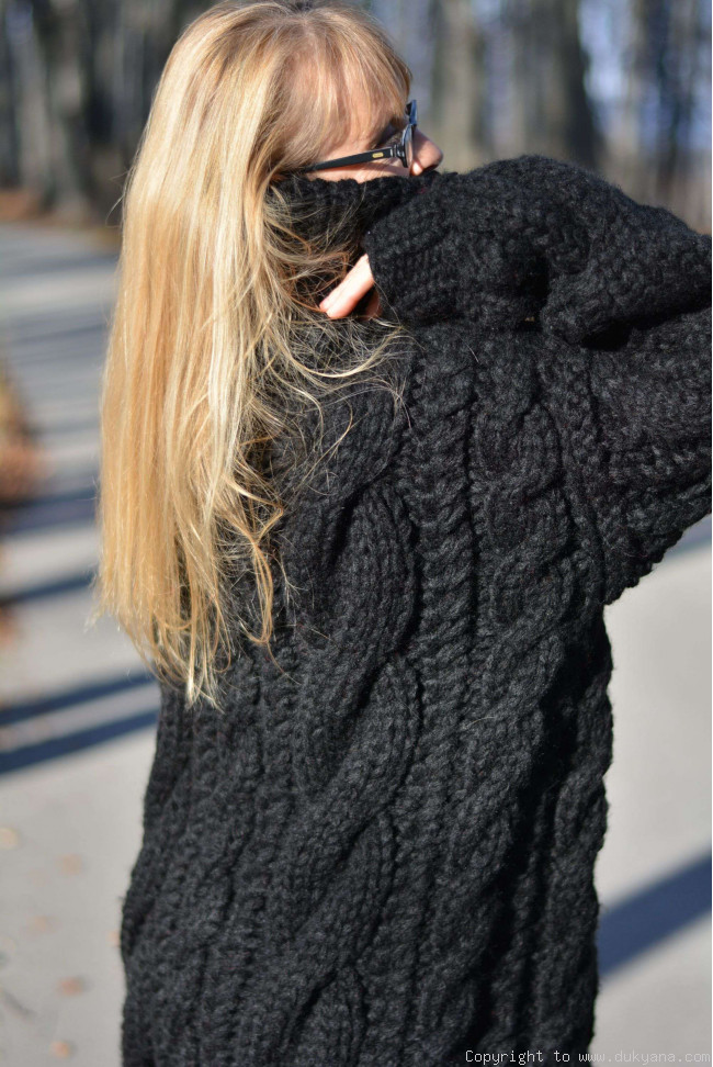 Huge Turtleneck Sweater Baggage Clothing