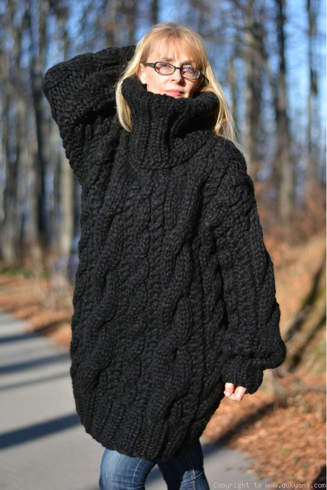 Hand knit chunky merino blend unisex huge Turtleneck cabled sweater/H6