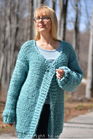 Oversized chunky wool cardigan with open fronts