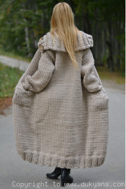 Pure wool chunky unisex collared cardigan in milky beige