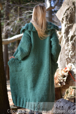 Pure wool chunky unisex collared cardigan in jade green
