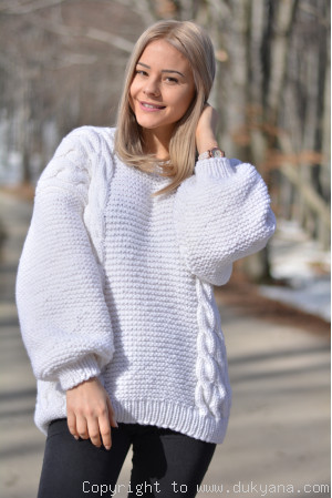 Cabled merino blend sweater in white