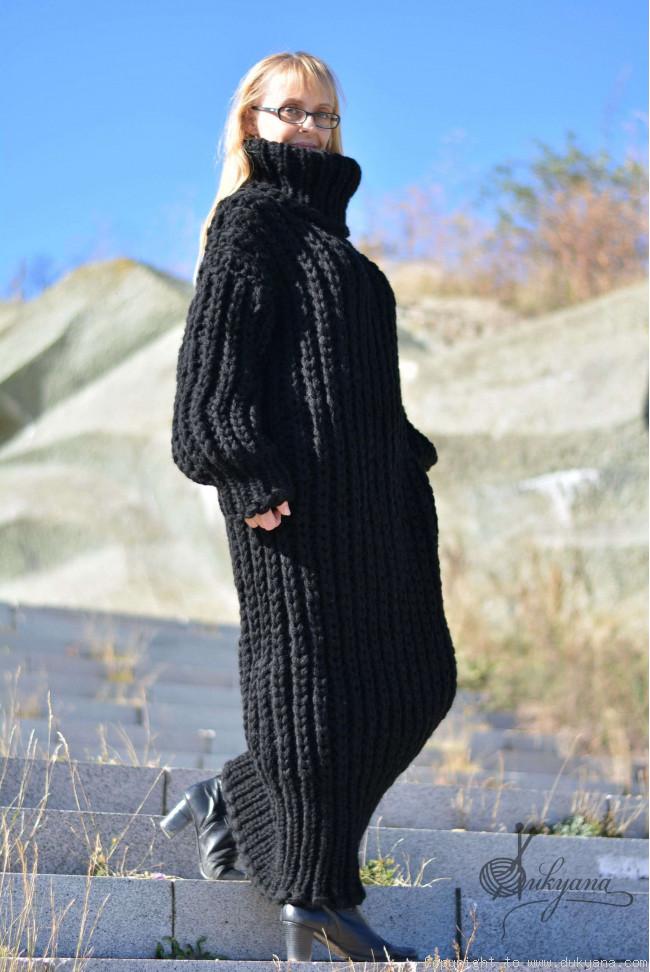 Hand Knitted Chunky Merino Blend Long T Neck Sweater Dress In Blackd9