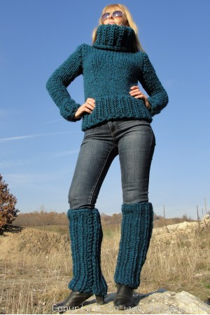 On request Hand knitted soft chunky cropped Tneck wool sweater