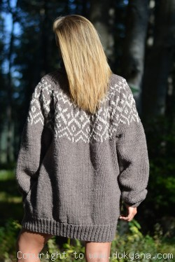 Mens Icelandic wool Tneck sweater in brown