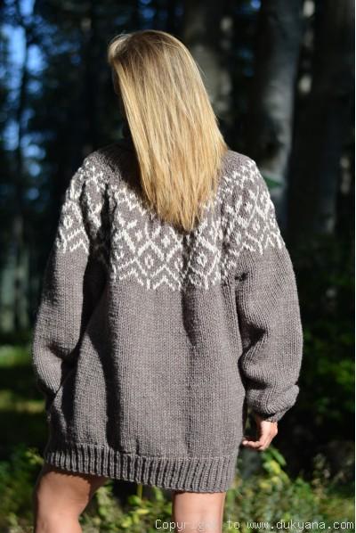 Mens Icelandic wool Tneck sweater in brown