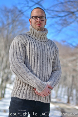 Merino blend mens T-neck ribbed sweater in oatmeal