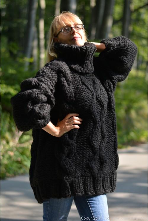 Handknit chunky unisex Turtleneck wool sweater