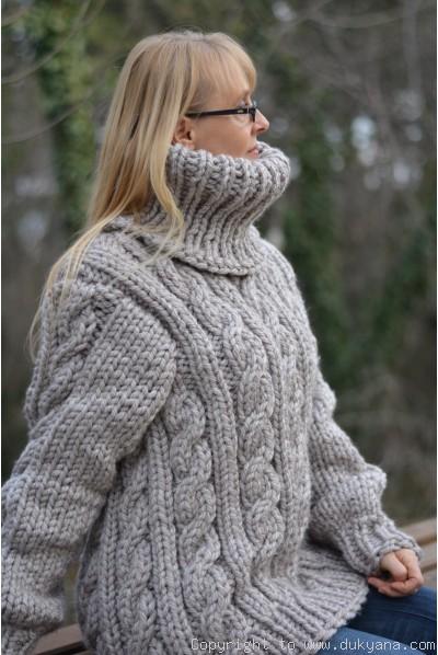 3ca73d6b9518da ... Heavyweight soft wool mens T-neck sweater in beige