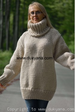 Chunky soft merino blend mens T-neck sweater in beige