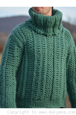 Chunky pure merino wool mens sweater in jade green
