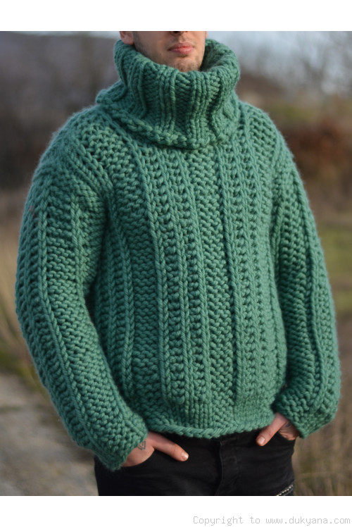 Chunky pure merino wool mens sweater in jade green