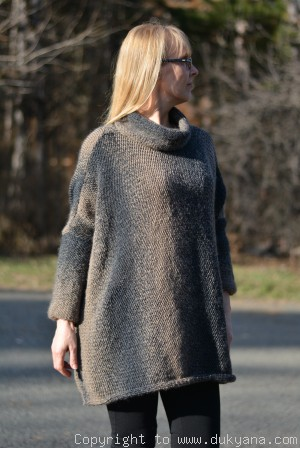 Knitted wool blend poncho in brown