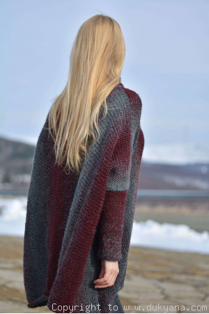 Knitted wool blend poncho in gray red mix