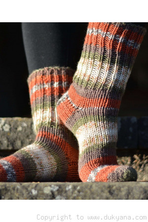 Handmade wool socks in beige green mix