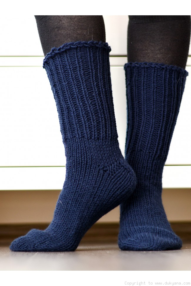 e9ae1e5968571 Handmade mens wool socks in navy blue/SO67