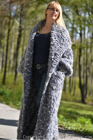 Chunky long wool cardigan in gray mix