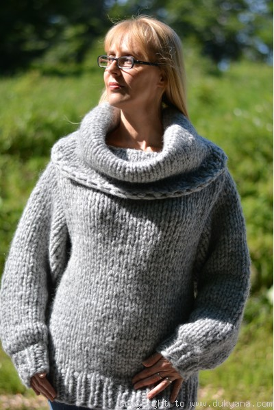 Wool blend soft cowlneck gray sweater